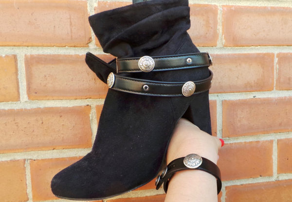 Erinyes wrist wrap by Boot JuJu