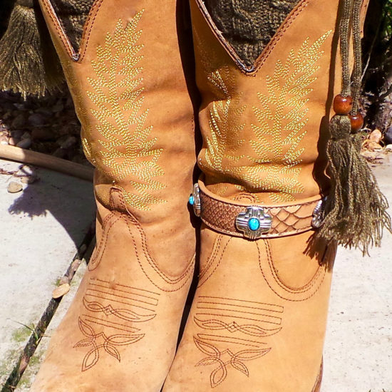 Harmony boot strap on boot